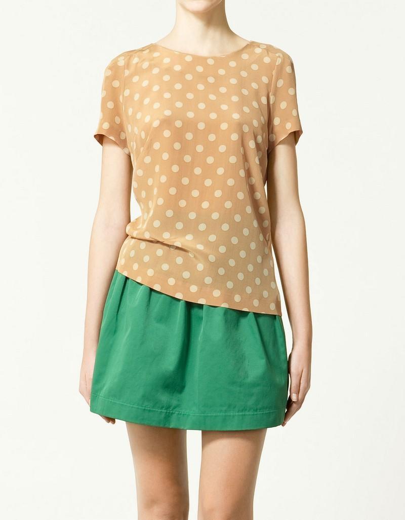 beżowa bluzka ZARA w kropki - trendy wiosna-lato