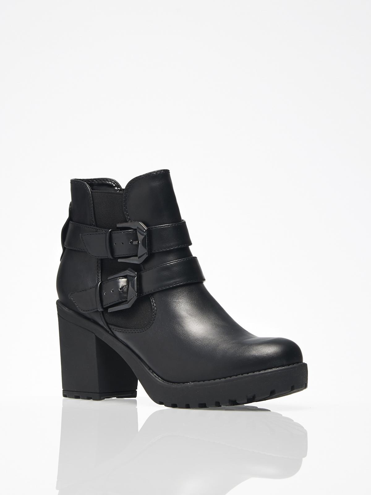 0a4f288fd59ca czarne botki Mohito z klamrami - Buty na jesień - 37 modnych modeli ...