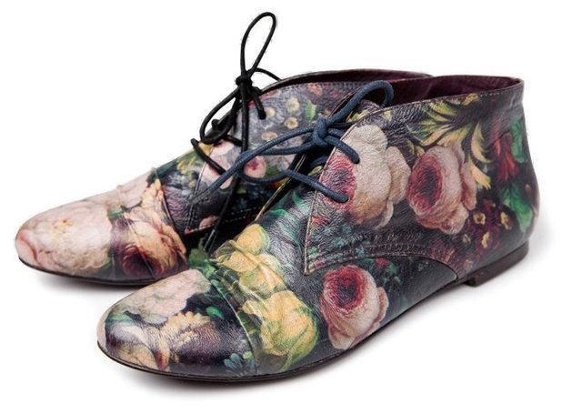 półbuty Reserved w kwiaty - wiosenna kolekcja