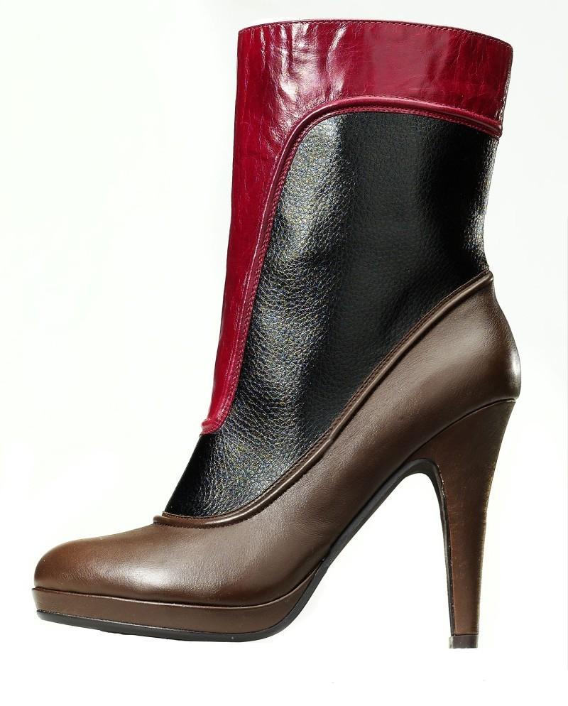 Buty Reserved dla kobiet - jesień-zima 09/10 - zdjęcie