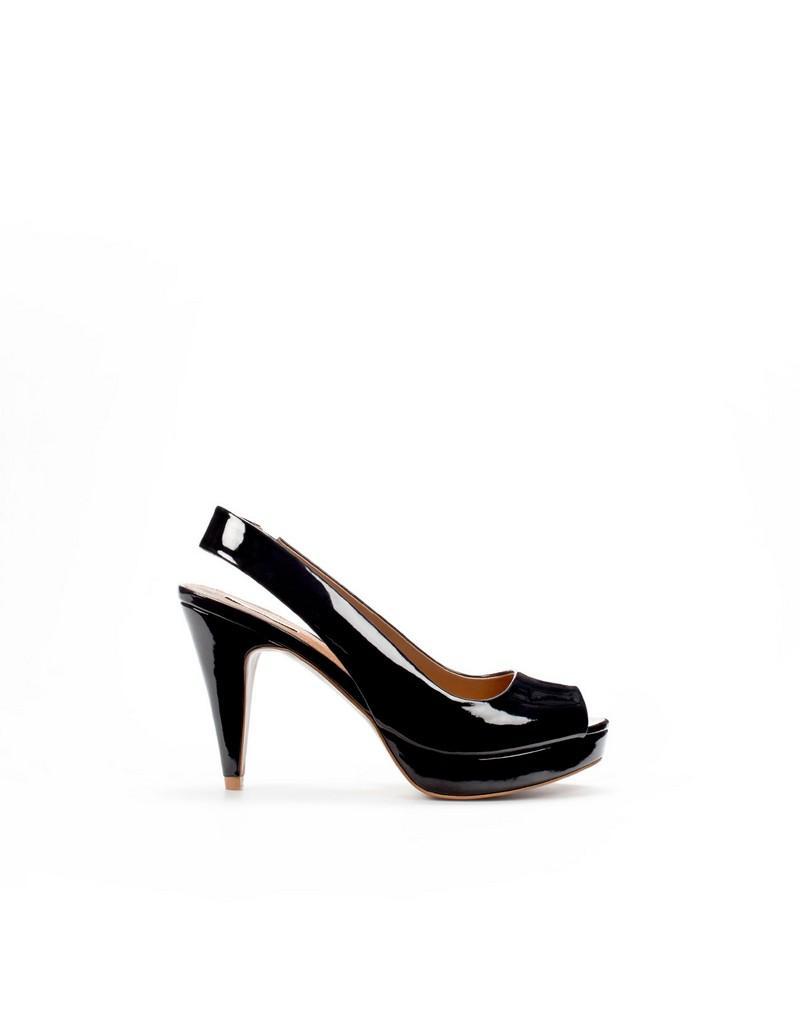 czarne pantofle ZARA - moda 2011
