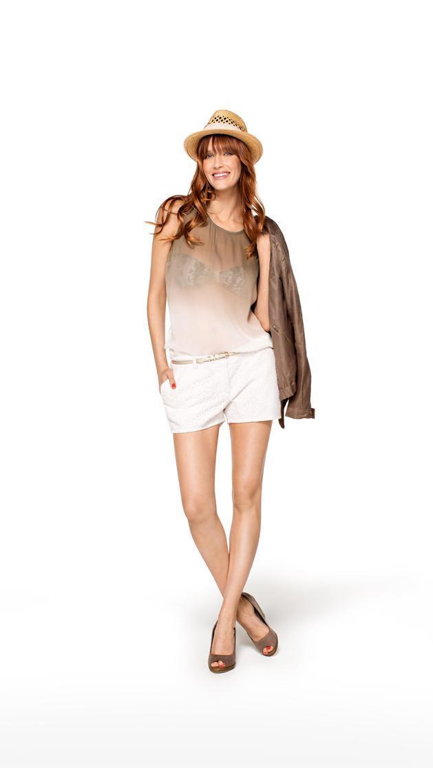 białe szorty Camaieu - trendy na lato 2013