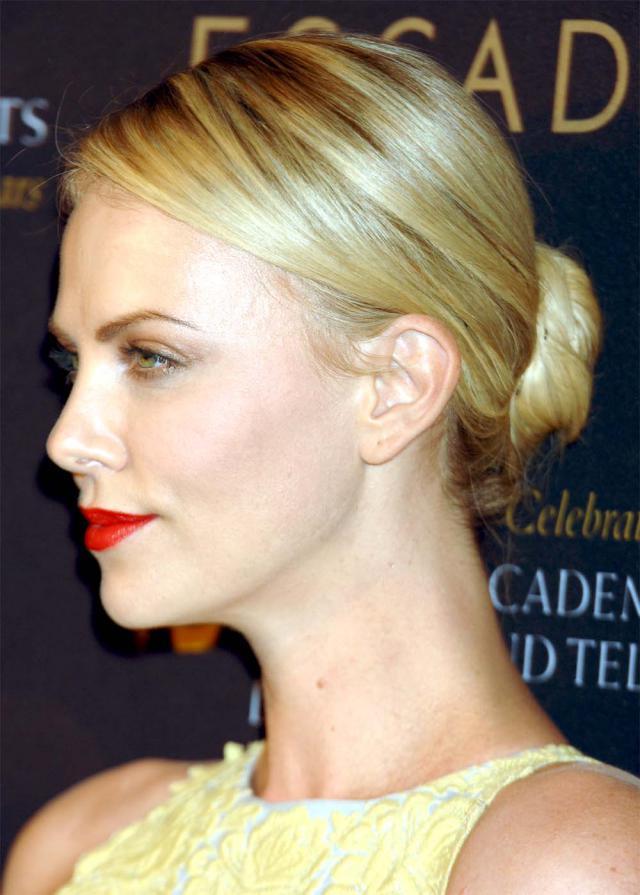 Charlize Theron, 18 Bafta Tea Party, makijaż gwiazdy,