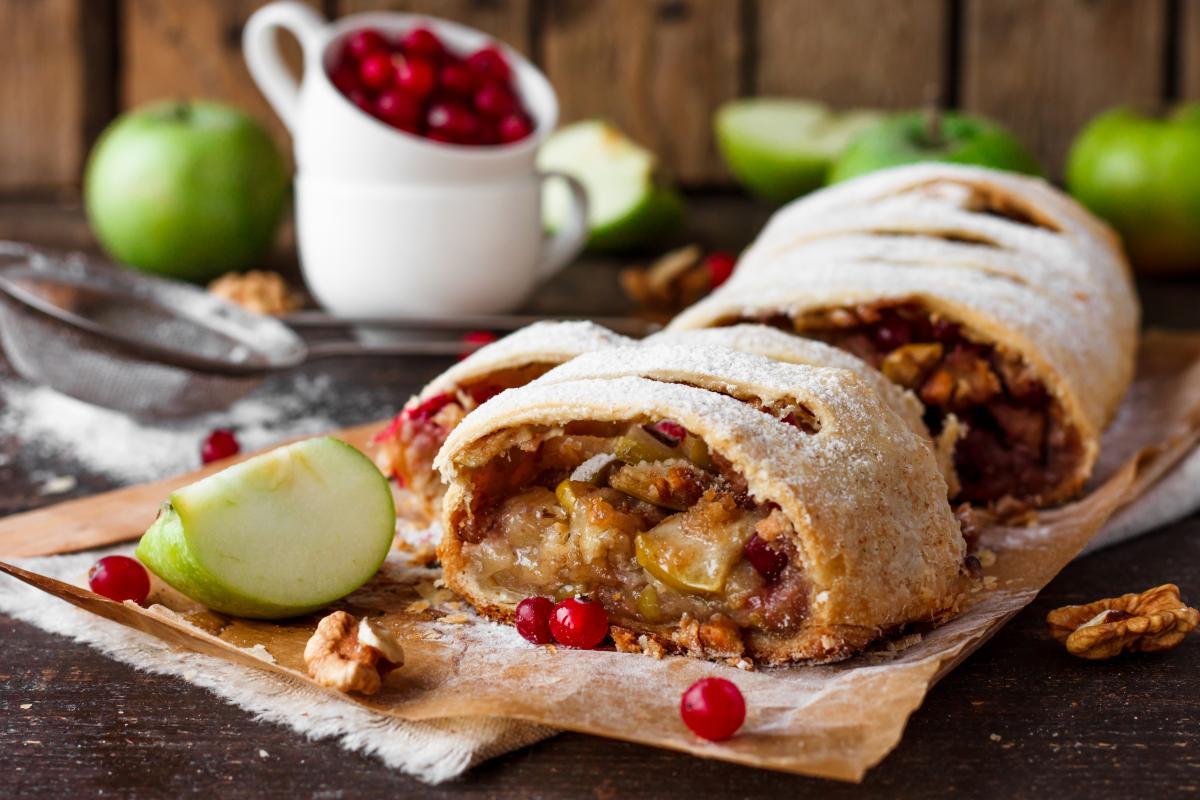 Ciasto z jabłkami - strudel z jabłkami