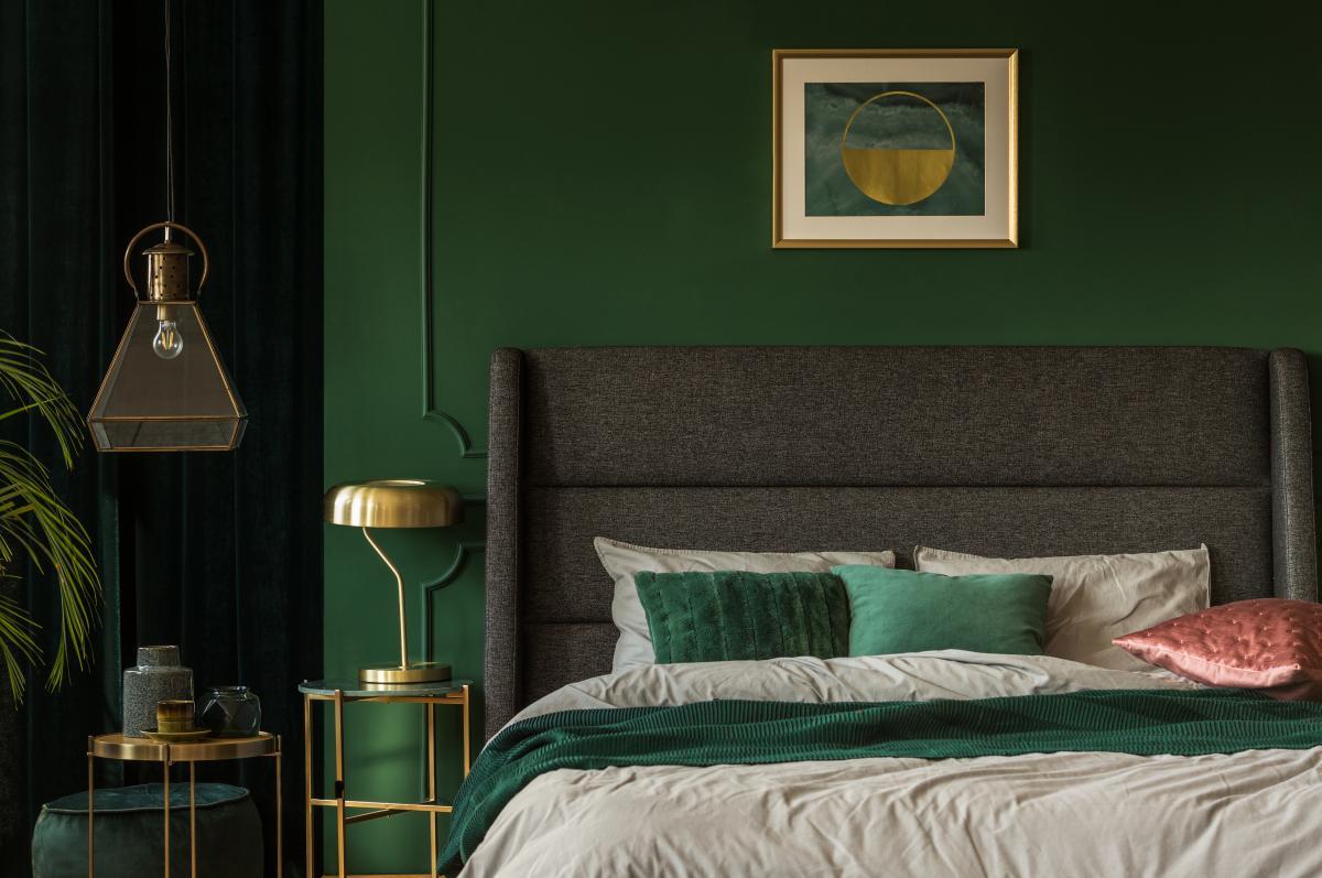 zielono złota sypialnia