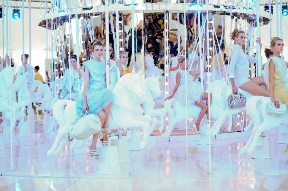 Vuitton pokaz mody wiosna 2012