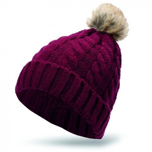Bordowa czapka z pomponem, New Yorker