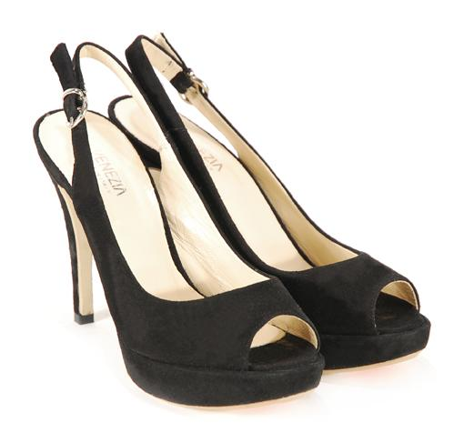czarne pantofle Venezia na platformie - kolekcja wiosenno/letnia