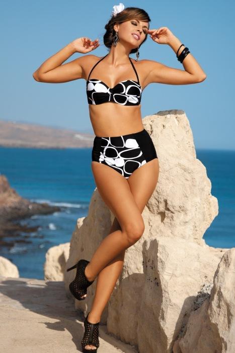 Czarno-białe kostiumy kąpielowe - lato 2013