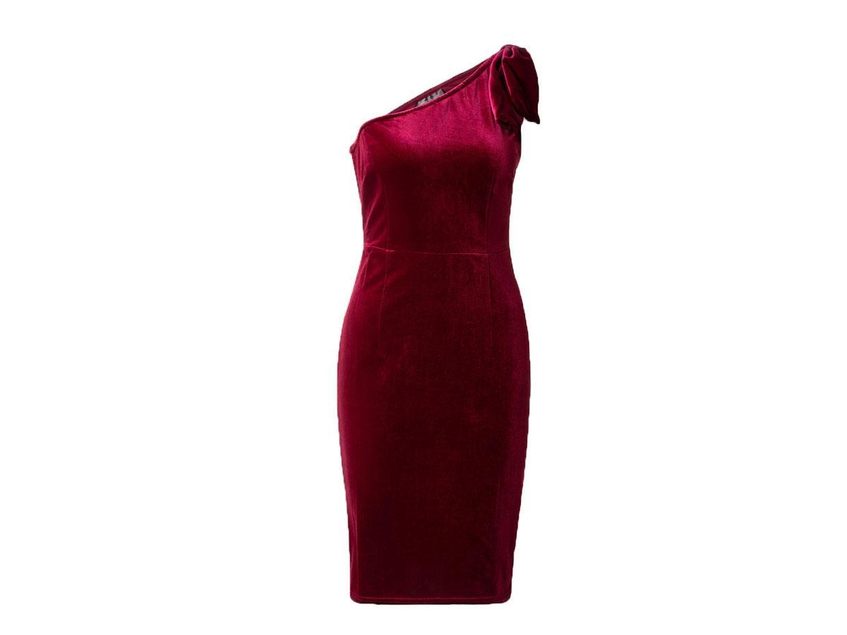 Aksamitna sukienka z asymetryczną górą, C&A, cena ok. 79,00 zł