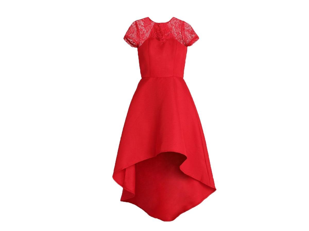 Czerwona suknia balowa z asymetrycznym dołem, Chi Chi London (zalando.pl), cena ok. 254,15 zł