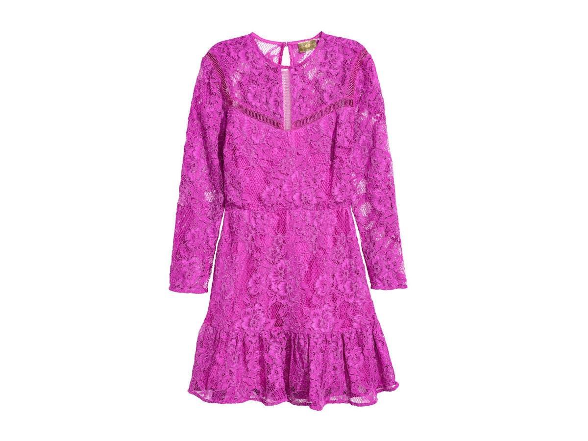 Różowa sukienka z koronki, H&M, cena ok. 229,00 zł