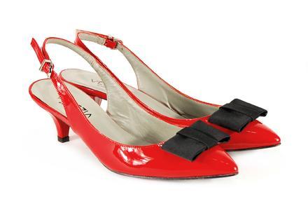 czerwone pantofle Venezia z kokardą - trendy wiosna-lato