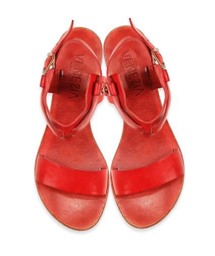 czerwone sandały Venezia - trendy wiosna-lato