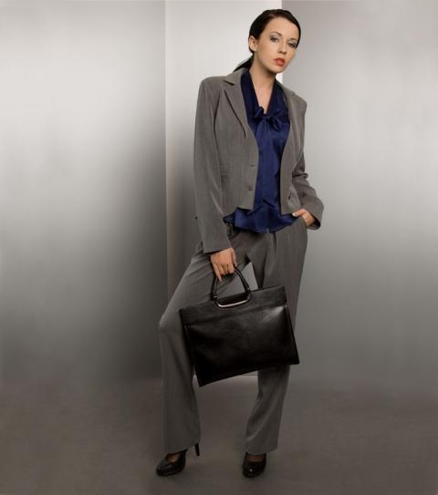 Czy można być zmysłową i kobiecą w garniturze?