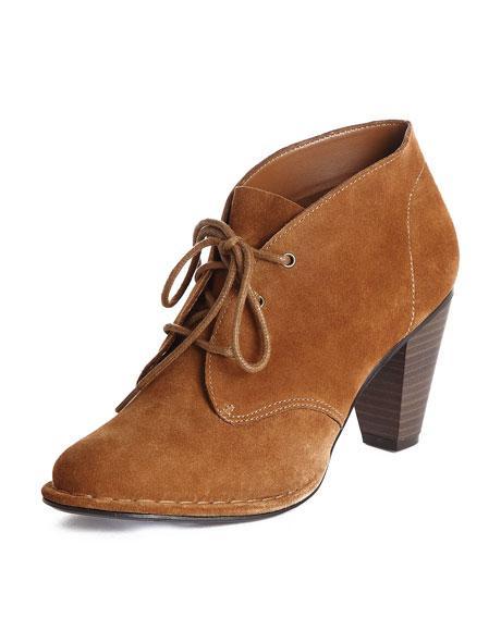 Damskie obuwie od Stradivarius na wiosnę i lato 2011