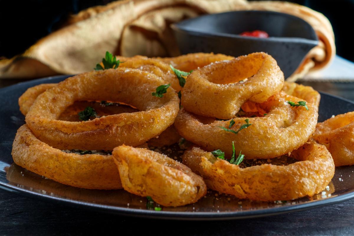 dania z cebuli - krążki cebulowe