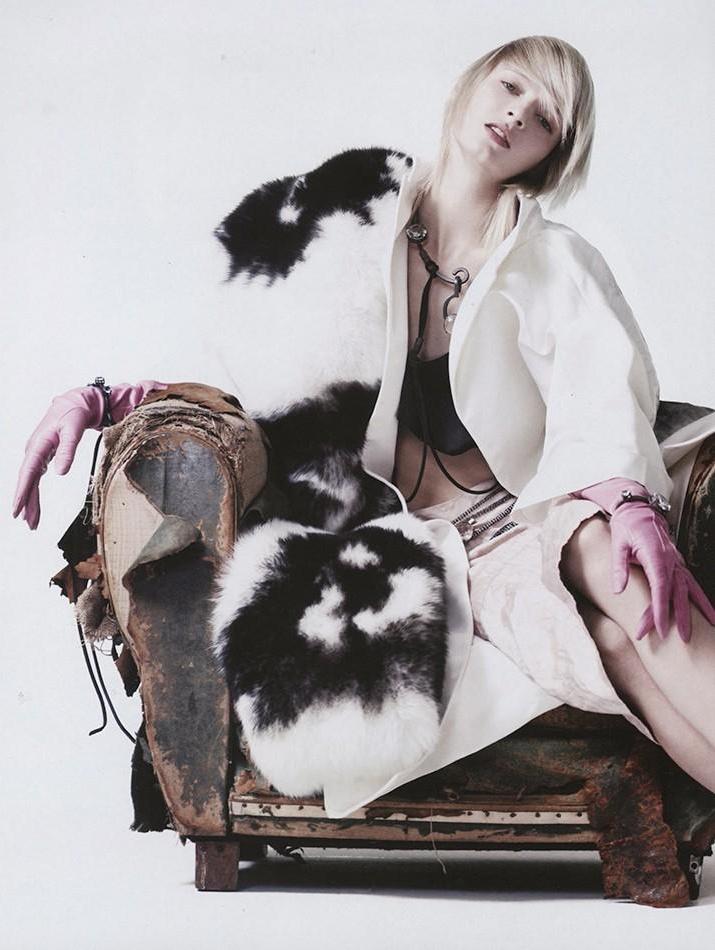 Vogue China marzec 2013 - Daria Strokous