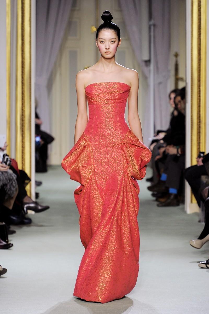 sukienka wieczorowa Didit Hediprasetyo - wiosna/lato 2011