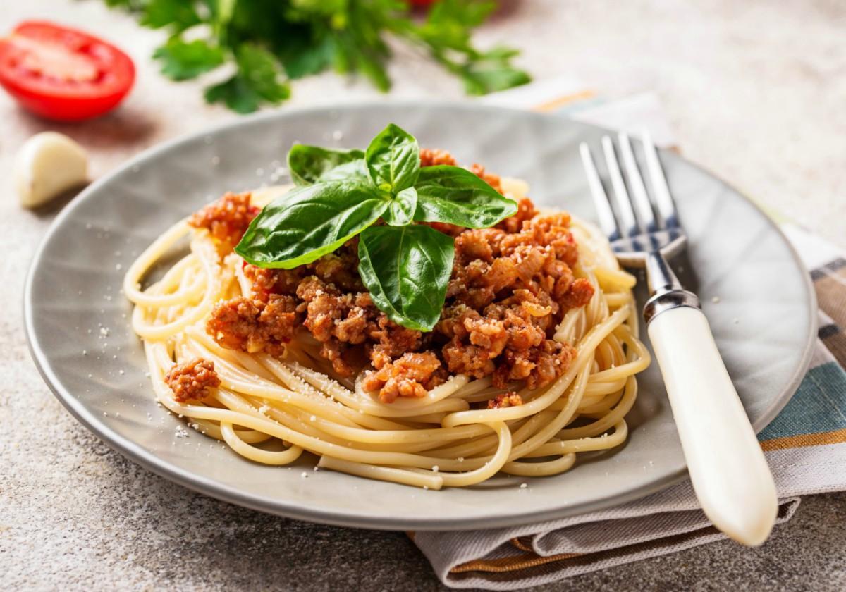 Przepisy Konrada Gacy - spaghetti razowe z wołowiną
