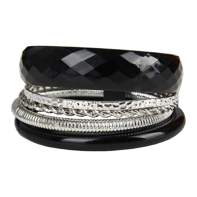 czarna bransoletka Pretty Girl - trendy zimowe