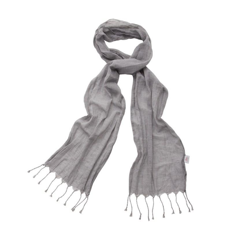 szare skarpetki s.Oliver - trendy na jesień-zimę
