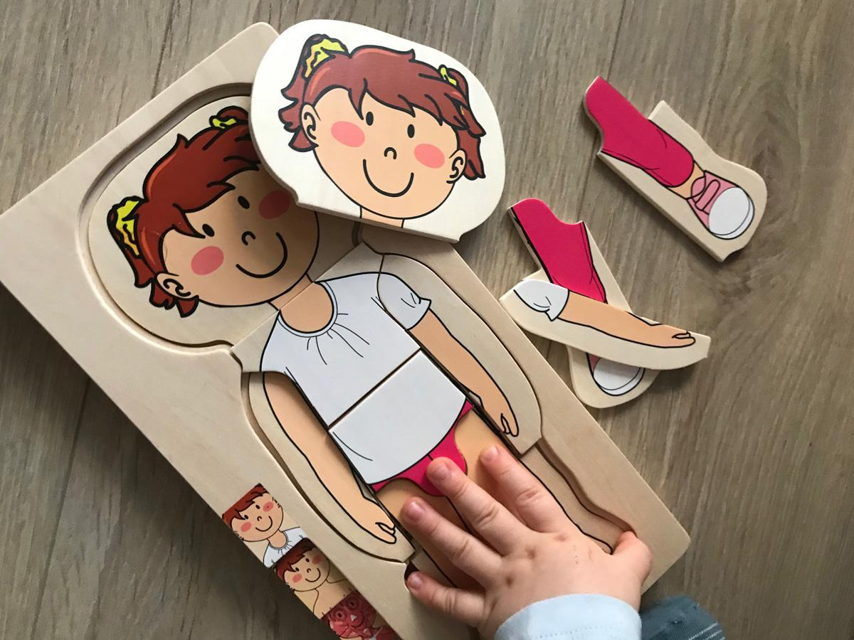 Drewniana dziewczynka-układanka z Lidla