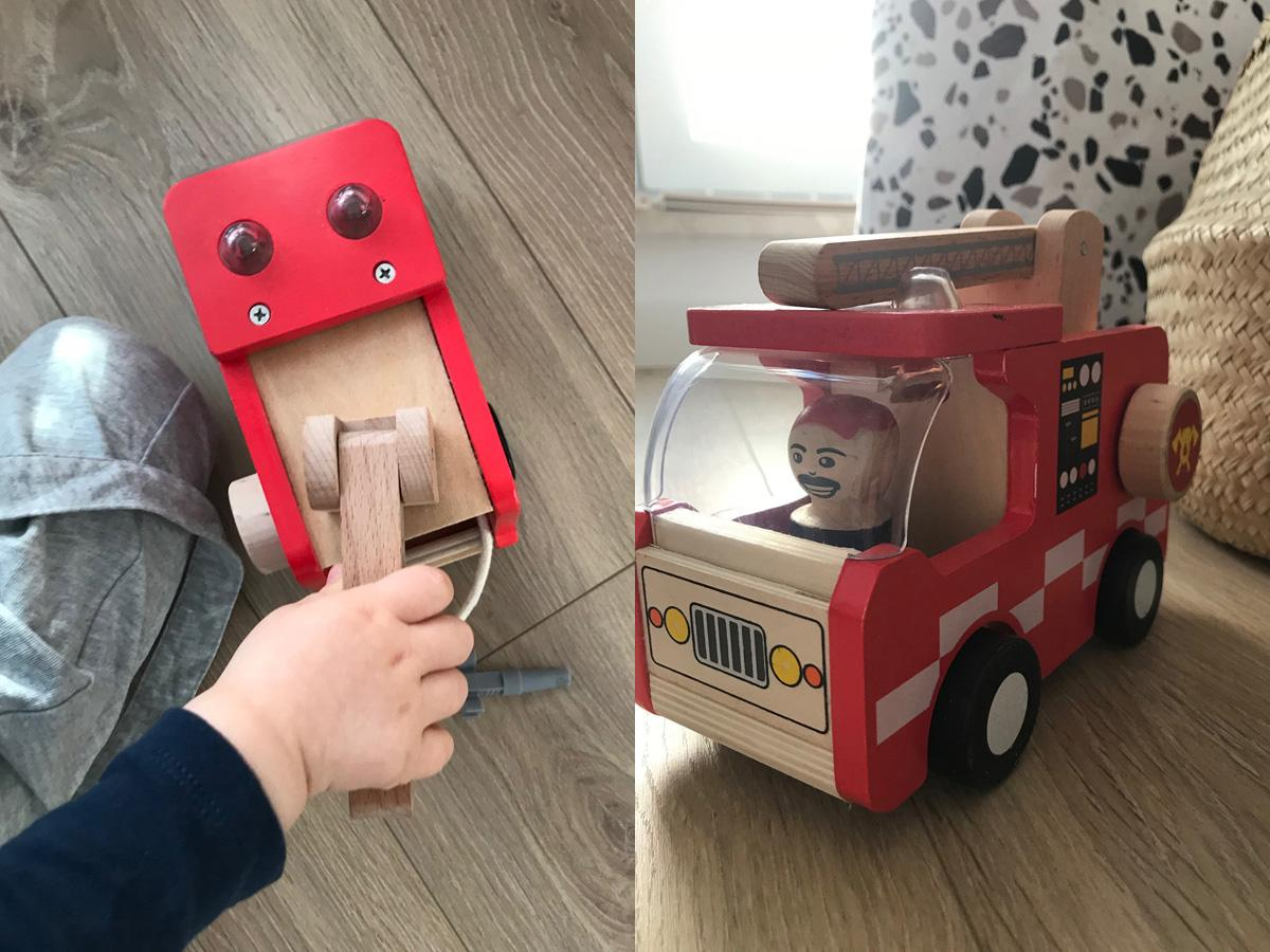 Drewniany wóz strażacki z Lidla