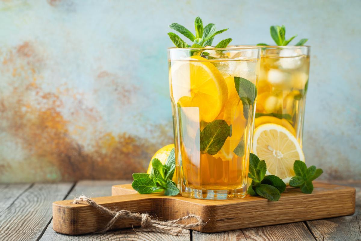 Drinki bezalkoholowe z zieloną herbatą
