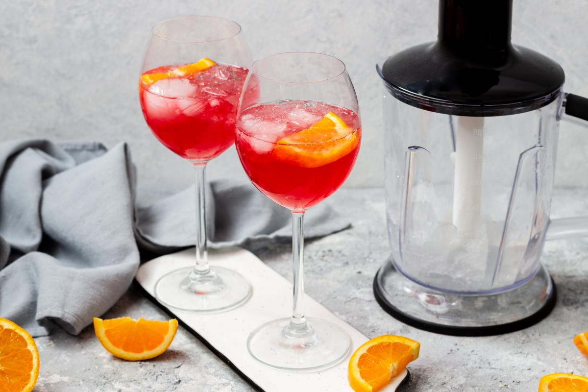 Bezalkoholowy aperol spritz z lemoniadą