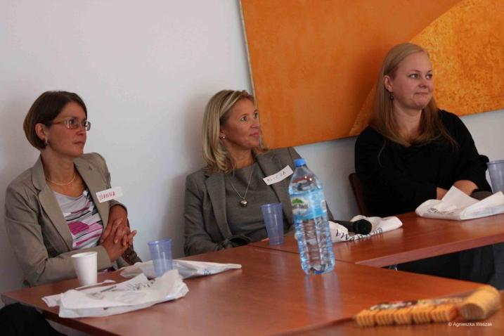 Od lewej: mgr inż. Joanna Żółkowska – dietetyk, n. med. Alicja Karney – pediatra i mgr Katarzyna Wyrzykowska – psycholog/fot. Halo Atopia!
