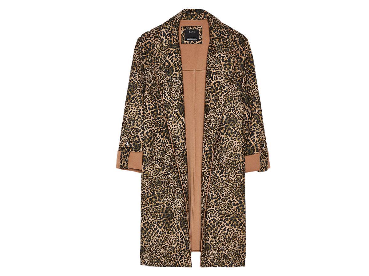Płaszcz ze sztucznego zamszu w panterkę, Bershka, cena ok. 139,00 zł