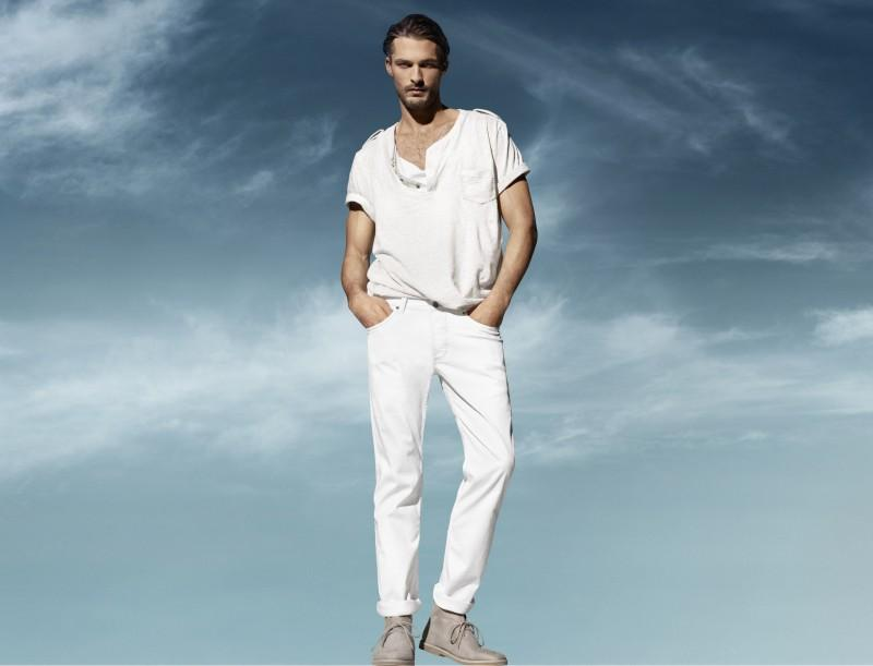 białe spodnie H&M - z kolekcji wiosna-lato 2011