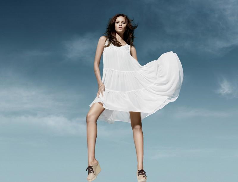 biała sukienka H&M - letnia kolekcja