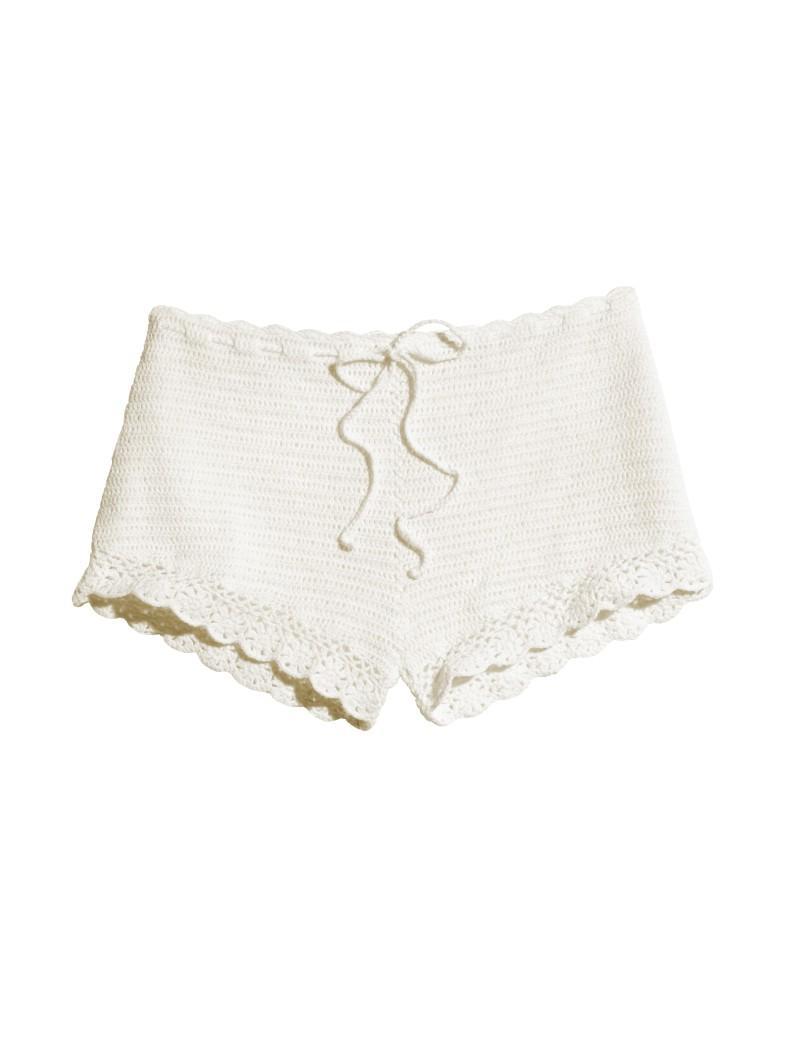 białe szorty H&M - moda 2011