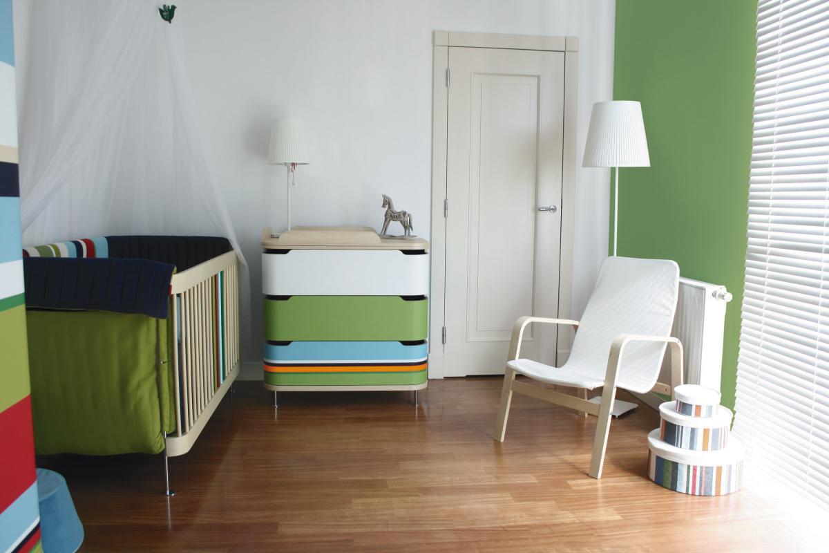 Praktyczna farba kryjąca delikatnie zielona - trendy 2013