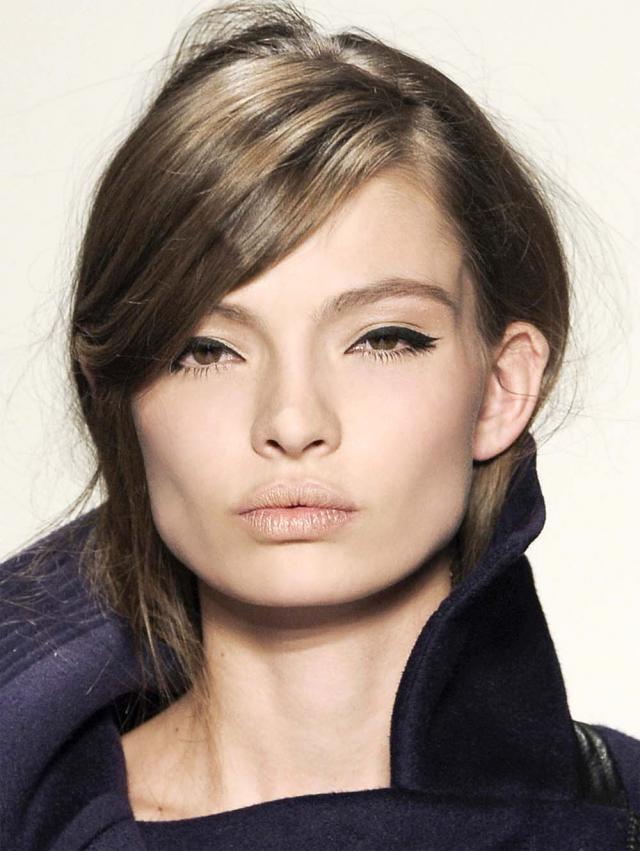 eyeliner, makijaż na walentynki, sexy makijaż oczu, uwodzicielski makijaż