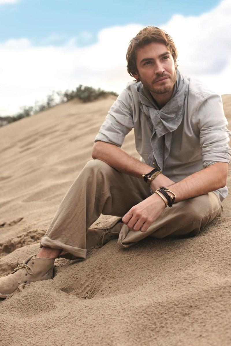 beżowe spodnie F&F - wiosna/lato 2011