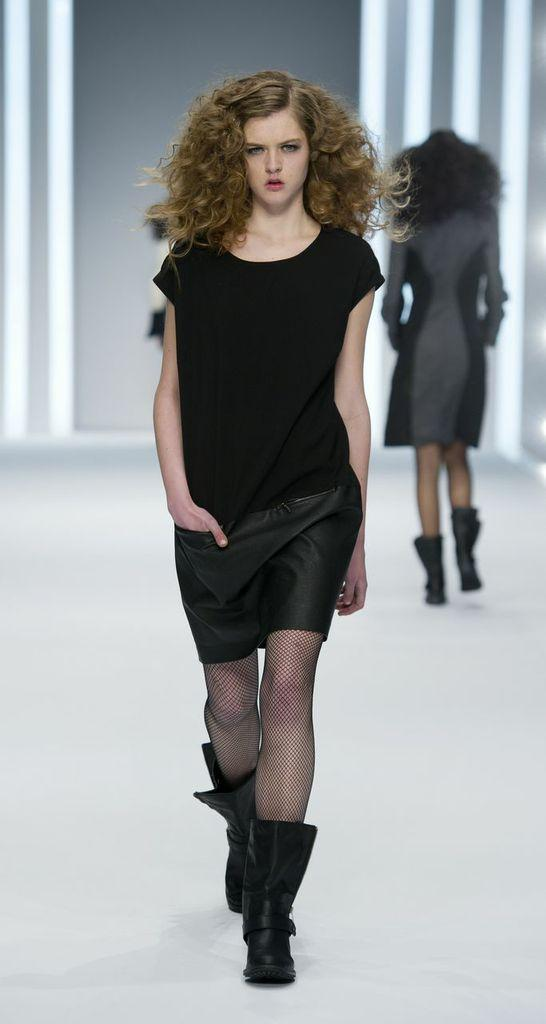czarna sukienka F&F - jesień/zima 2013
