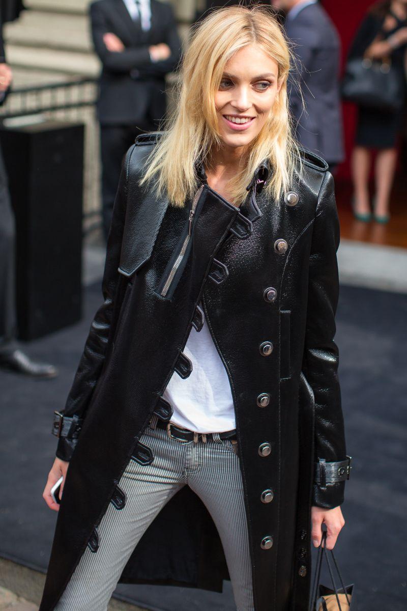 Anja Rubik podczas Milan Fashion Week