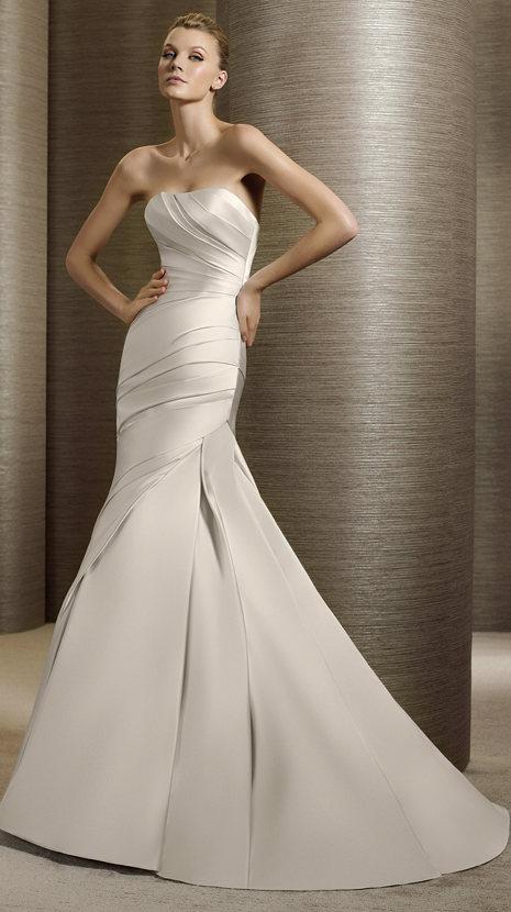 srebrna suknia ślubna White One