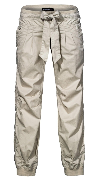 białe spodnie New Yorker - wiosenna kolekcja