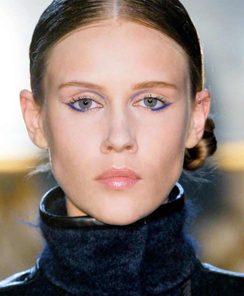 modny makijaż, makijaż zima 2013, makijaż oczu trendy, eyeliner oczy, kredka do oczu makijaż