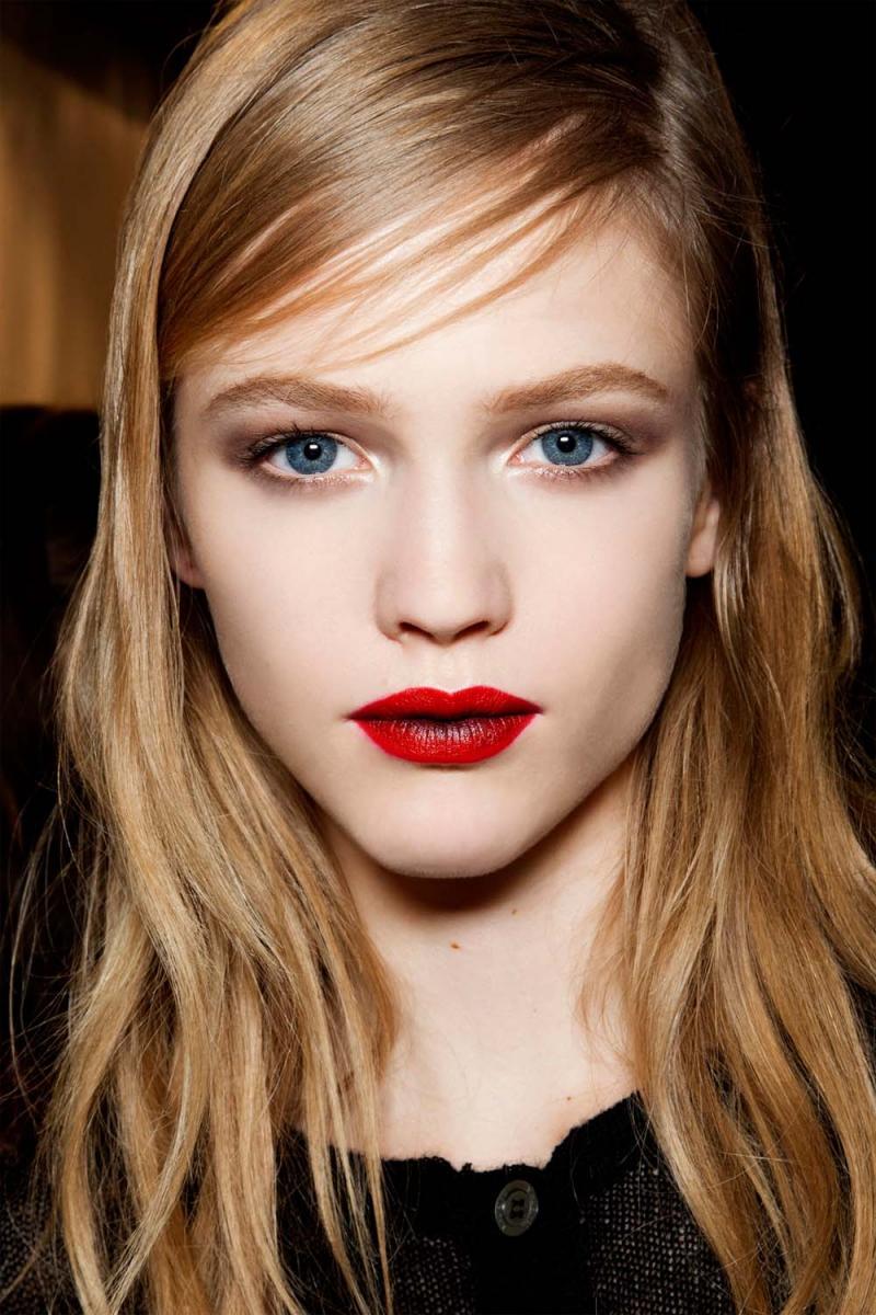 usta ombre, dwa kolory szminka, makijaż ust trendy