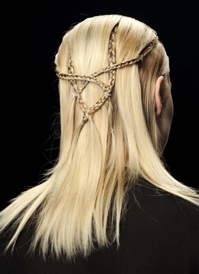 Fryzura jak z pokazu, Aminaka Wilmont zima 2012, fryzjer radzi, porady fryzjerskie, trendy fryzur, modna fryzura
