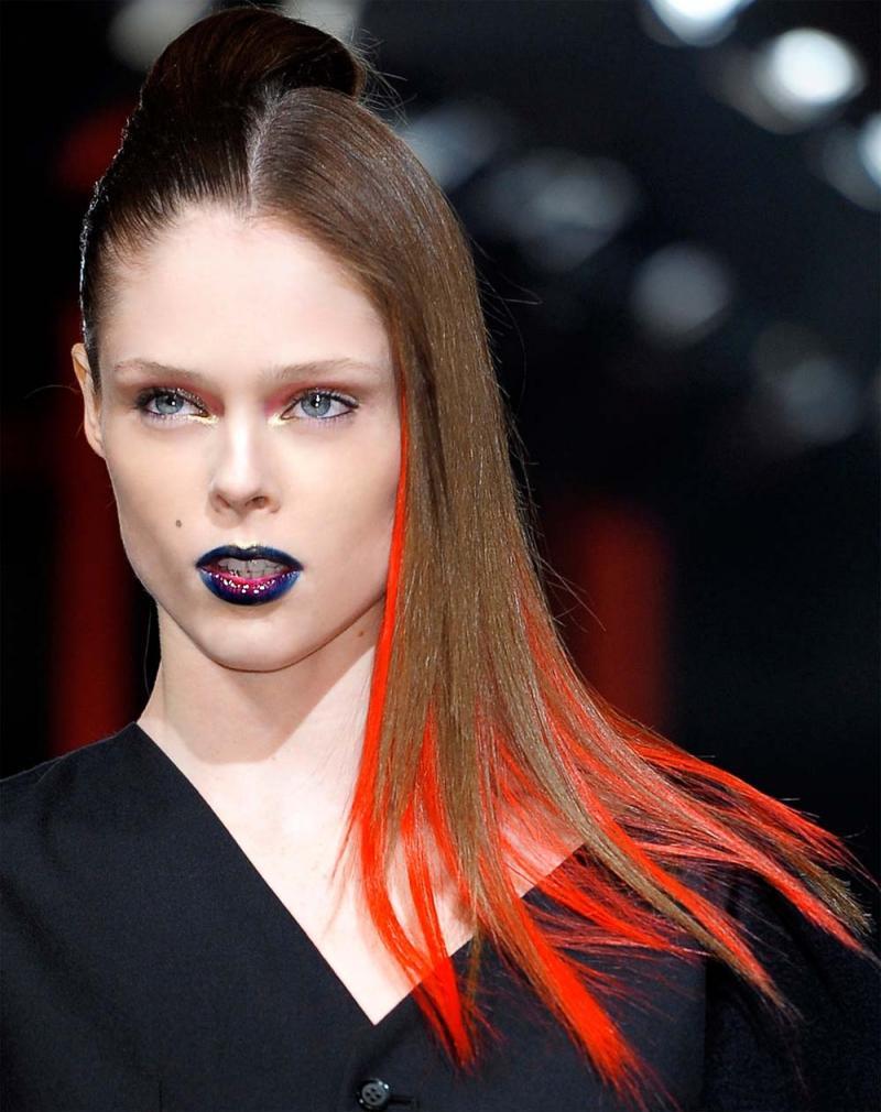Fryzura Na Halloween 2012 Z Kolorowymi Pasemkami Fryzury