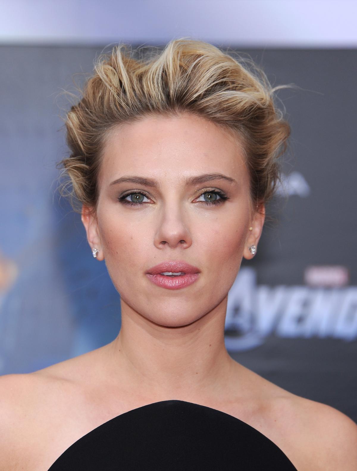 Pomysł na ślubną fryzurę - Scarlett Johansson