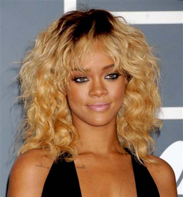 Grammy Awards 2012, makijaże gwiazd, fryzury gwiazd, Rihanna