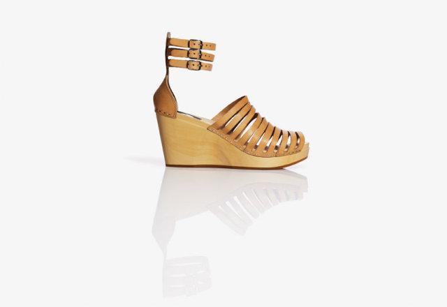brązowe sandały H&M na koturnie - lato 2011