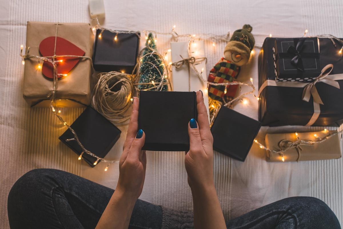 randki z etykietami na prezenty świąteczne po raz pierwszy randki online